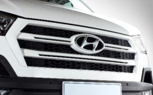 lưới tản nhiệt hình lục giác đặc trưng của Hyundai
